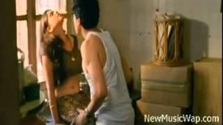 Bollywood Movie Hunter Hot smooch scene