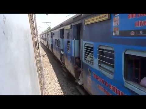 11094 Varanasi-Mumbai Mahanagari Express Overtaking MRVC EMU @ Asangaon!!