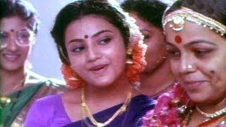Seetharamaiah Gari Manavaralu Songs - Velugu Rekhalavaru - Meena,ANR, Rohini Hattangadi