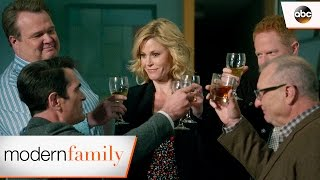 All Grown Up - Modern Family 8x22