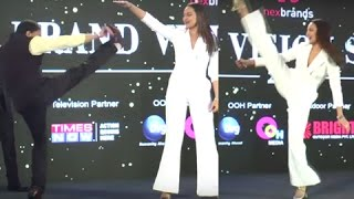VIDEO Sonakshi Sinha MARTIAL ARTS Stunt on Stage In PUBLIC