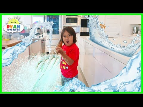 Ryan Pretend Play Indoor Swimming Pool with Aquaman Trident