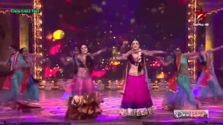 Star Diwali patakas Sanaya & Crystal D'souza!