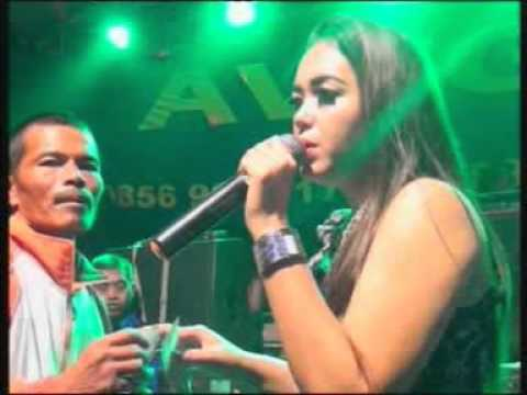 Avega Music - Anjing dan Sampah (Rosy)