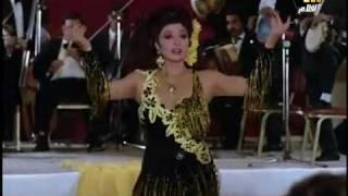 رقص نبيلة عبيد على موسيقى جميلة اوى