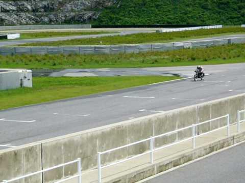 HONDA CB90 RACER サーキット走行2