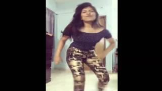 Kamor Dio Na / কামড় দিয়ো না Bangladeshi Girl Home Made Dance