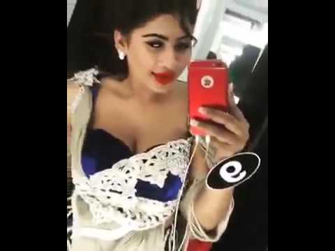 Sri lankan Girl Hot Dance infront of Camera