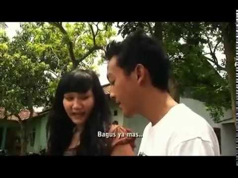 Video Mesum - Ngajarin anak gadis pake Kondom