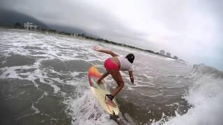 Surf Girl | Maria Beatriz