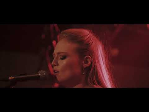 Freya Ridings - Love Is Fire (New Song!) (Live At Omeara - London)