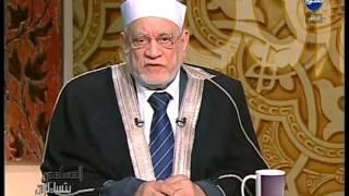 المسلمون يتساءلون : ما حكم الصلاه في المساجد اللي بها اضرحه ؟