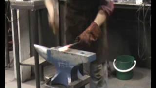 forging a shoe horn 3.wmv