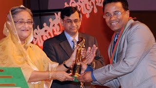 Chandan Sinha  Receiving National award from Prime Minister Sheikh Hasina
