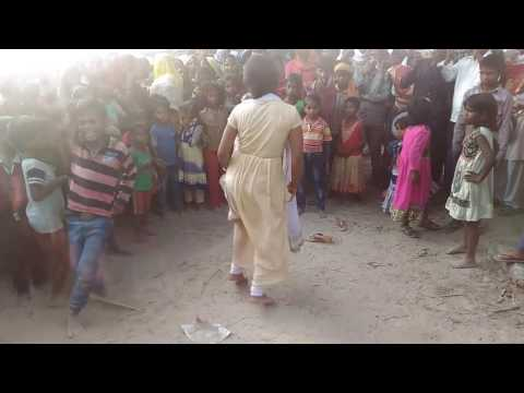 Xxx Mp4 लईह बंगलिया से दबइया ए बालम Hot Bihari Girl Dance Hot Girl Dance On Bhojpuri Song 3gp Sex