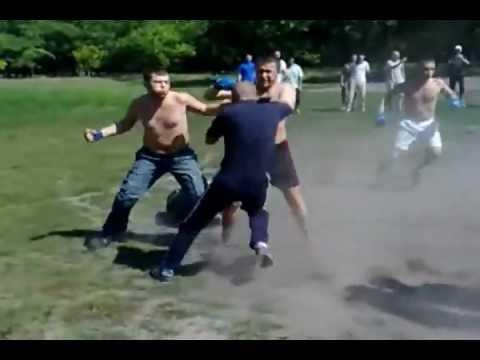 pelea entre pandillas.
