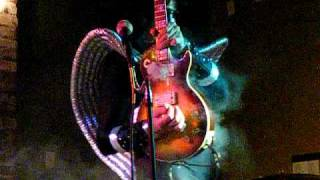 ACE FREHLEY smoking guitar solo