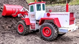 RC wheel loader working at the construction site! R/C model with amazing sound!