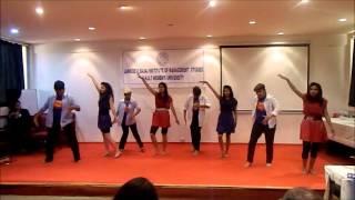 AAJ Kal Tere mere - Dance by JDBIMS Gals - SNDT