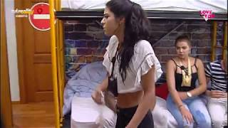 Cynthia confronta Raquel