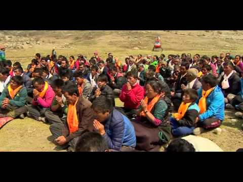 Return to a town buried in Nepal earthquake   BBC
