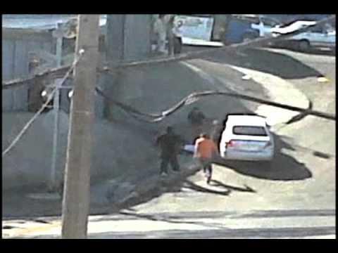 Brutal golpiza a delincuente tras robar auto
