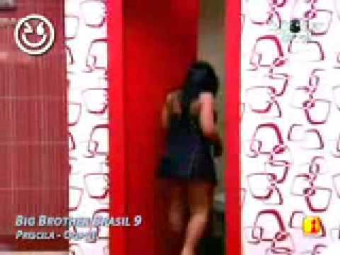 BBB 9 Priscila é flagada mostrando a bunda