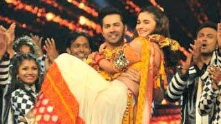 Alia Bhatt And Varun Dhawan Hot Dance Performance At Umang 2017