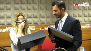 Rádio Comercial | Vanda Miranda surpreendida por Christian Grey com as 50 Sombras