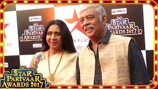 Karan Patel's Parents-In-Law Abhay Bhargav And Kiran Bhargava At Star Parivaar Awards 2017