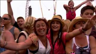 Paloma Faith - Picking Up The Pieces - At T in the Park 2013