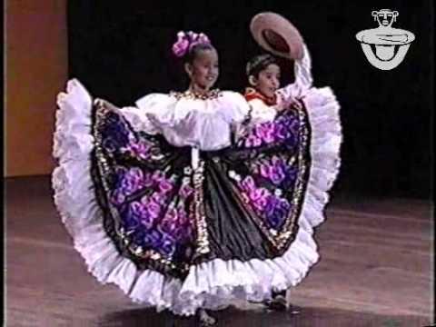 Los Niños de Colombia Bailan 2001 5