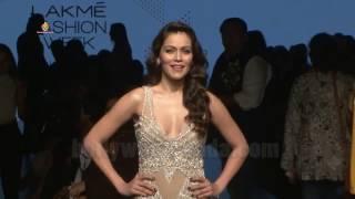 Sunidhi Chauhan, Zayed Khan, Daisy Shah As Guest At Lakme Fashion Week 2017