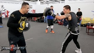 Oscar Valdez looking like a beast on the mitts showing power and speed!
