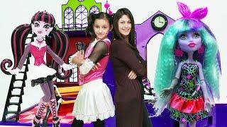 Ayşe ve Draculara Monster High okulunu kuruyorlar. #Kızçocukoyunları