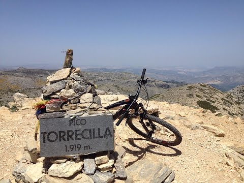 Hike-a-bike to Pico Torrecilla +1.919m (and surrounding ridges).