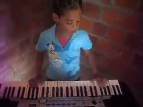 Juninho tocando a musica meu bebê Pablo do arrocha AJUDEM ELE IR PARA ALGUM PROGRAMA DE TV GENTE