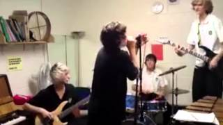 Schoolboy Harry Styles singing with his old band White Eskimo - SO CUTE!