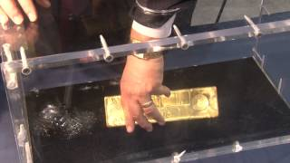 CoinWeek Classic: APMEX Displays 400 Ounce Gold Bar at ANA World's Fair of Money 2014