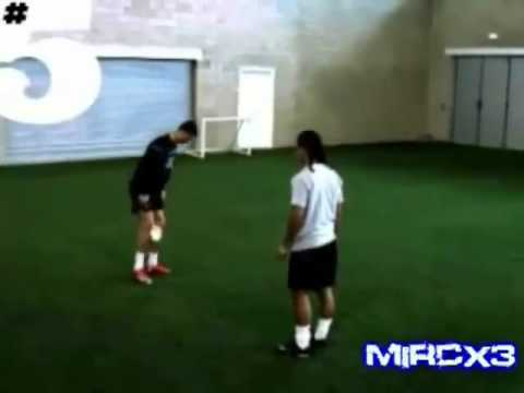 Xxx Mp4 Ronaldinho VS Cristiano Ronaldo Freestyle 3gp Sex