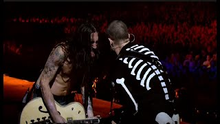 Red Hot Chili Peppers - Californication LIVE Slane Castle 2003 (HD)