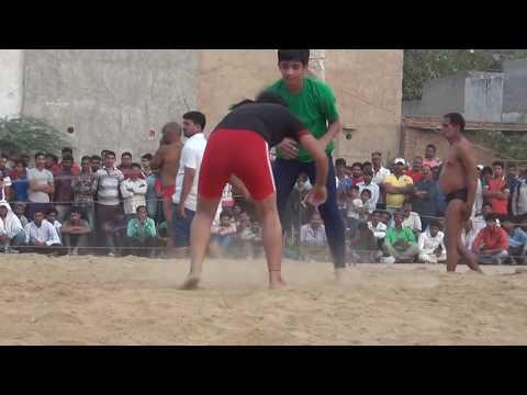 00211 Badshahpur Dangal 2016 Girl wrestlers
