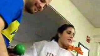 Isa cantando a lo Sanz