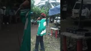 MZEE MAARUFU MNYAKYUSA  ,,MWANDWANGA AKITUMBUIZA.