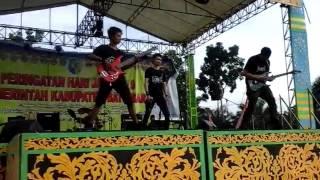 Lagu Kebebasan LEMET in action festival batubara