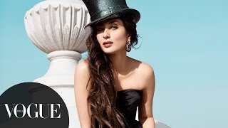 Kareena Kapoor Khan's Sexy Photoshoot for Feburary 2013 Cover | Vogue February Cover