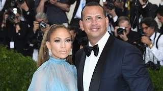 Jennifer Lopez and Alex Rodriguez Share a Steamy Kiss in NYC!