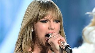 Taylor Swift Super Bowl Performance -