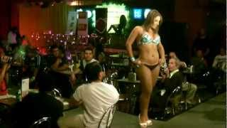 Katty Perez Pasarela Casa Zeller Marzo 2012 Video 3