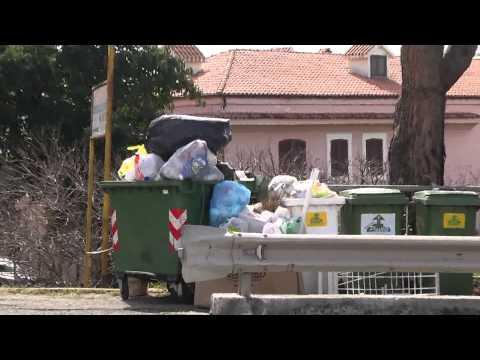 Rifiuti in Calabria, Belvedere alza bandiera bianca